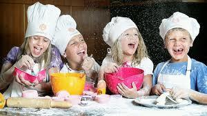Cooperativa l 39 arco piacenza servizi di animazione - Bambine che cucinano ...